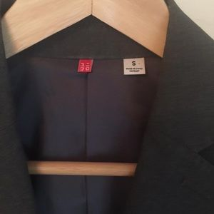 Uniqlo Grey Blazer